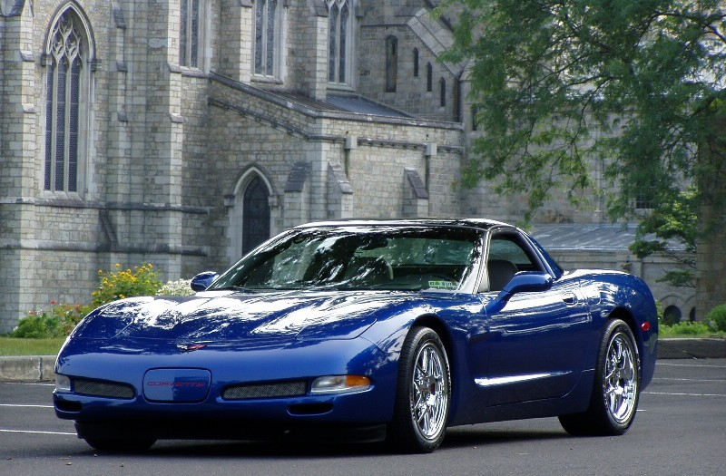2002 Elctron Blue Corvette